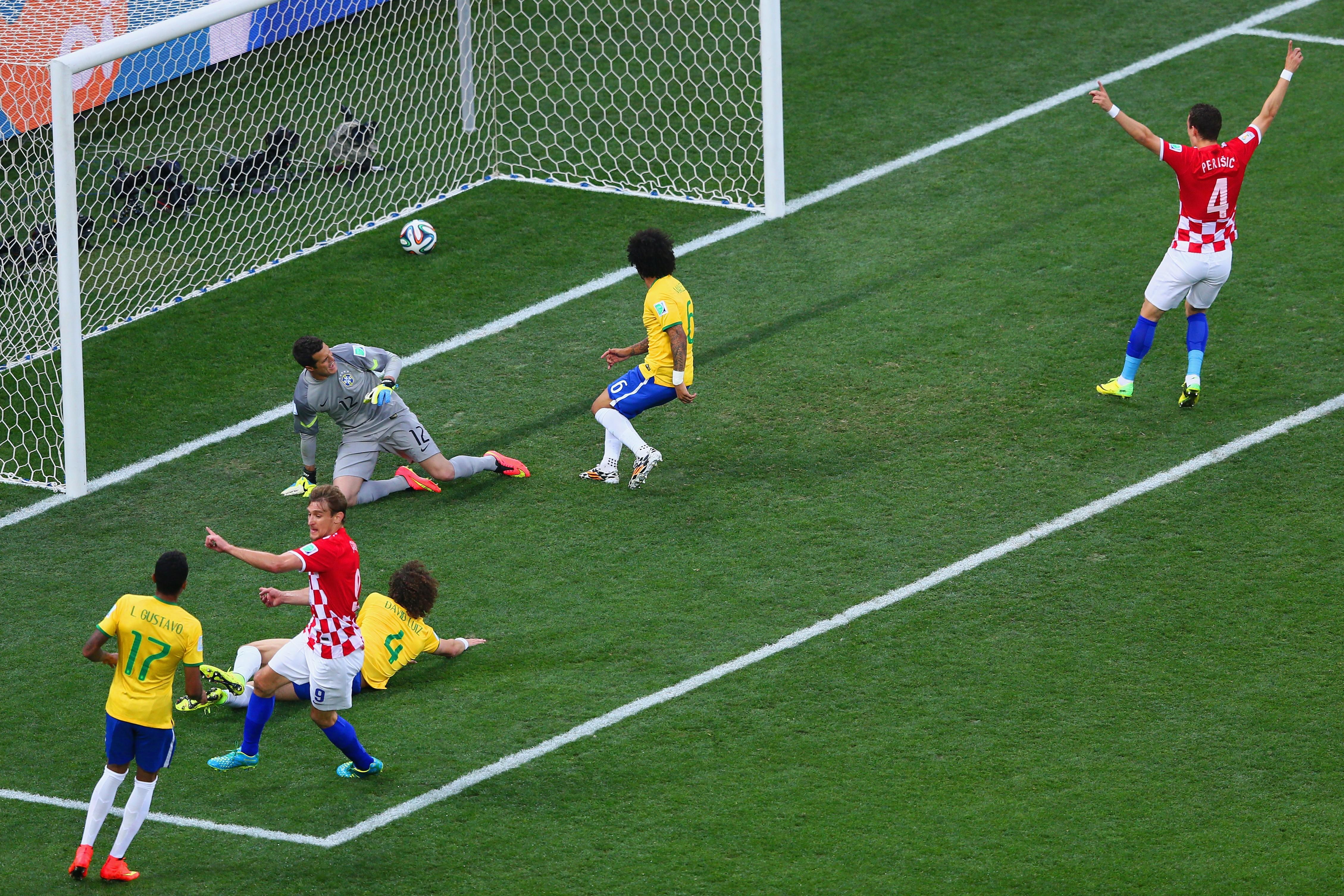Бразилія - Хорватія 3:1. Автогол, суддя, Бразилія - изображение 4