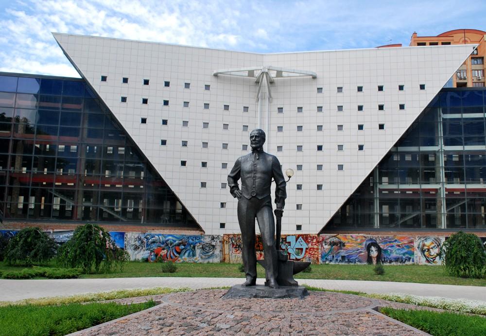 Донбасу не любити не можна. Мандрівка-спогад з Азова до Луганська, з Луганська до Донецька - изображение 39