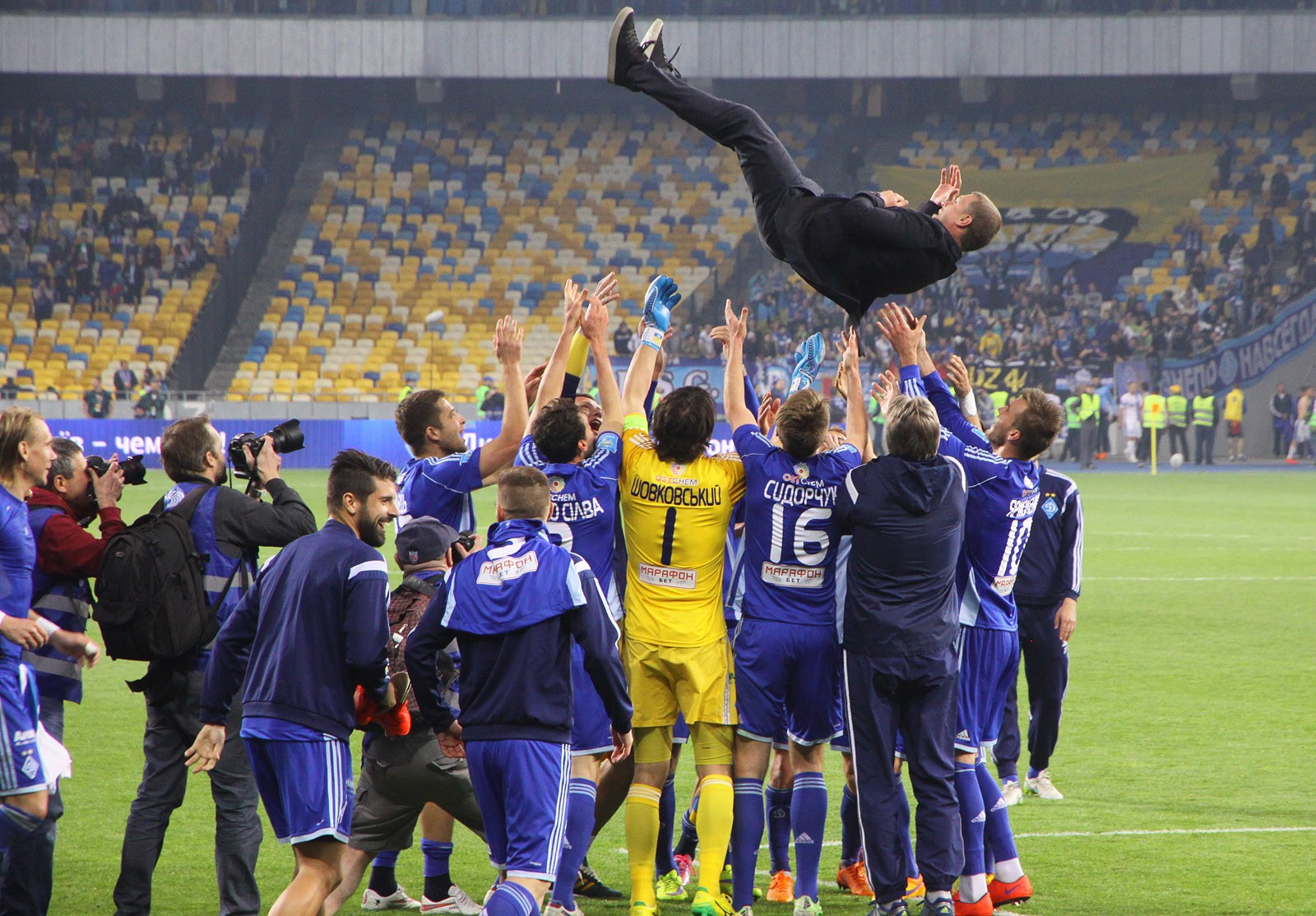 єврокубковий сезон 2015-2016