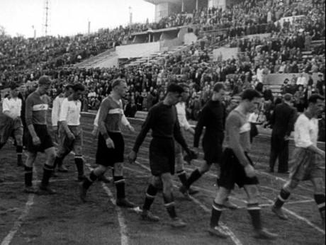 Євген Лемешко: Невський проспект, роздягнені жінки – надивишся і у футбол грати вже не хочеться - изображение 2