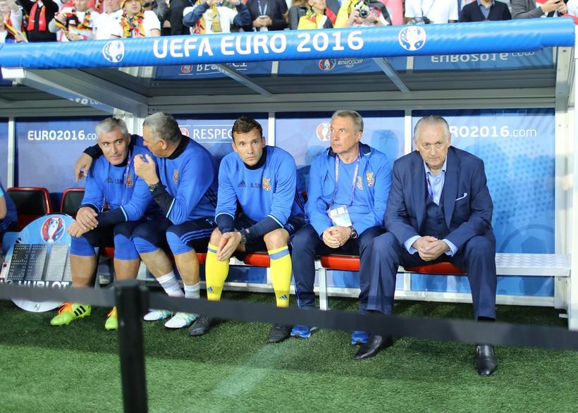 Как Динамо и сборная ввели в экстаз футбольную Украину. ТОП-5 матчей Михаила Фоменко - изображение 1