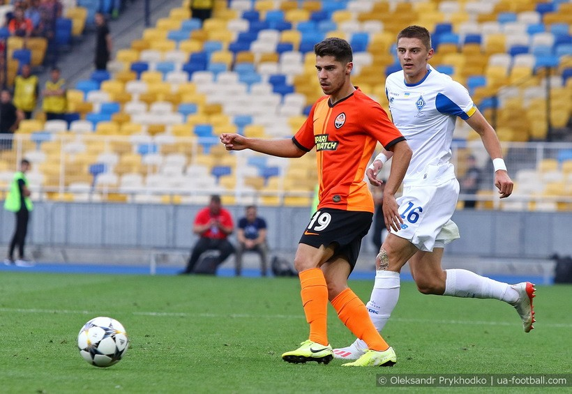 Динамо капитулирует еще до игры, безликий футбол Карпат. Эксперт о матчах 3-го тура УПЛ - изображение 1